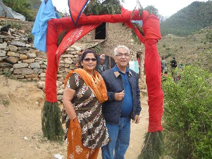 Kapil\'s Mum & Dad arrive.
